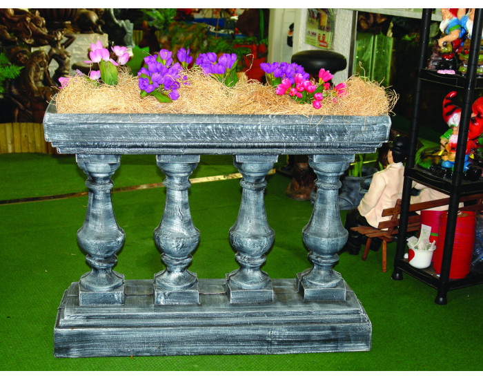 Саксия Ograda с колони