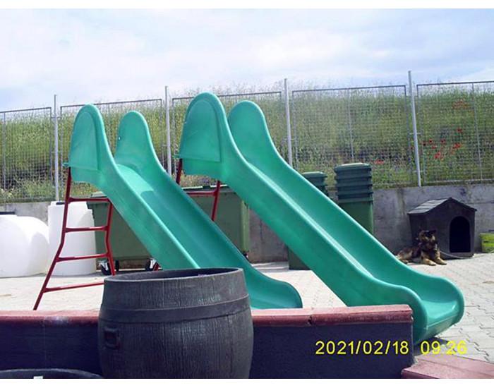 Пързалка  с голяма метална  стълба- синя